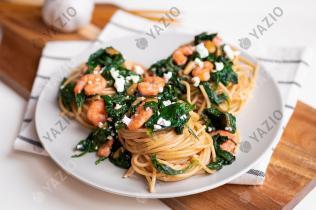 Spaghetti mit Feta, Spinat und Garnelen
