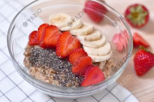 Banana Porridge with Strawberries