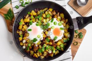 Pan-Fried Potatoes with Ham & Eggs