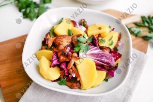 Salade de pommes de terre et girolles