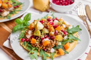 Linsen-Salat mit Kichererbsen-Pfannkuchen