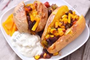 Ofenkartoffeln mit Gemüse-Füllung